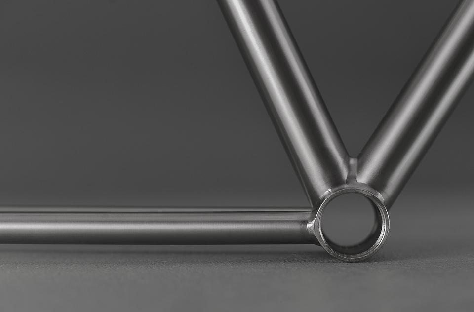 Focale-44-custom-titanium-frame-0012